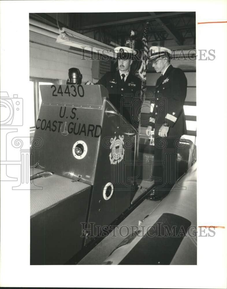 Historic Images -1989 Press Photo Rear Admiral Richard Applebaum, Coast Guard District Commander