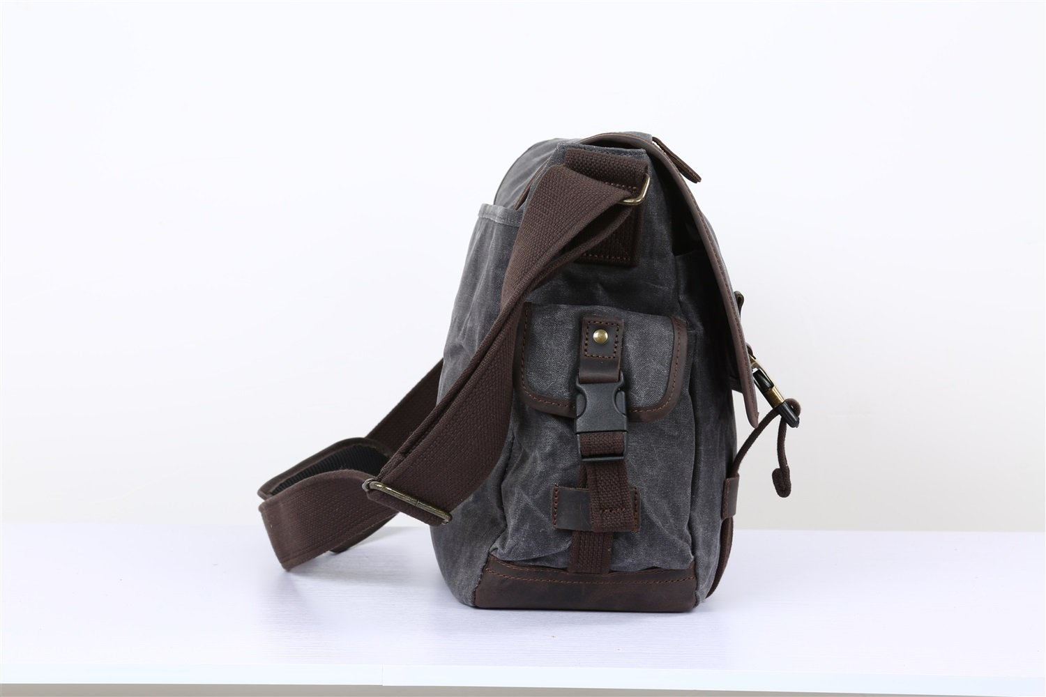 Elegdy Mens Crossbody Bag Crazy Horse Leather Canvas Oil Canvas Mens Bag Large Capacity Waterproof Outdoor Travel Backpack Fashion Color : Chrome, Size : M
