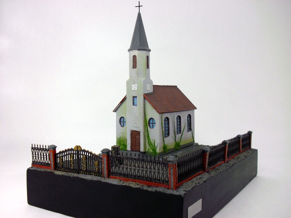 WWII Diorama – Church Set F - Malinava - 1/72 Scale Polystone Resin Model (VEHICLES AND FIGURES NOT INCLUDED)