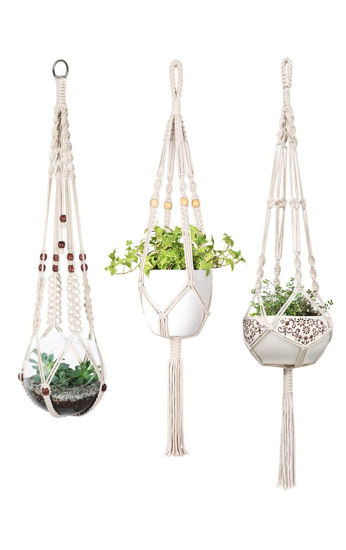 Mkouo Macram/é Perchas de Plantas Set of 3 Jardinera para Colgar en Interiores Basket Titular de Maceta Decoraci/ón del hogar de lat/ón Caja de Regalo