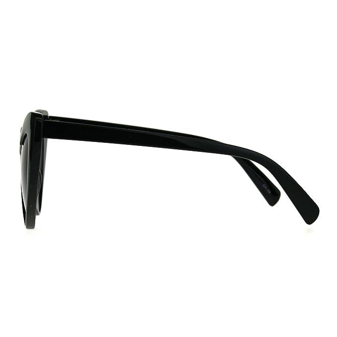 edf1a4871eeed Amazon.com  Womens Heart Shape Color Mirror Cat Eye Plastic Groovy  Sunglasses Black Blue  Clothing