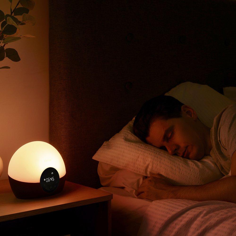 Lumie Bodyclock Glow 150 - Despertador con Luz, Simulación de Amanecer y Atardecer Graduales, Luz Regulable, 9 Sonidos: Amazon.es: Salud y cuidado personal
