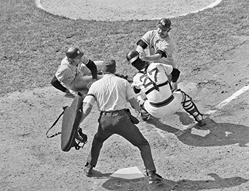 New York Yankees Thurman Munson Knocking Over Boston Red Sox Carlton Fisk At Home Plate 8x10 Photograph