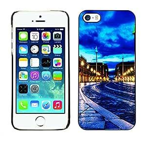 Smartphone Rígido Protección única Imagen Carcasa Funda Tapa Skin Case Para Apple Iphone 5 / 5S Blue Sky City Night / STRONG