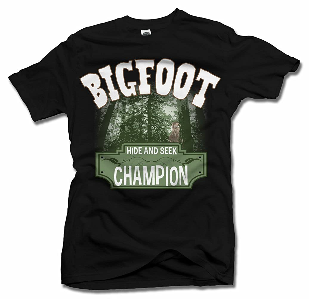 d04151f61 Amazon.com: Bigfoot Hide And Seek Champion Funny T-Shirt Men's Tee (6.1oz):  Clothing