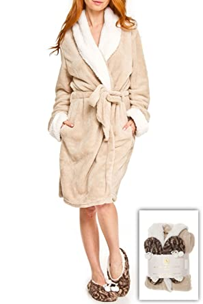 Adrienne Vittadini Women s Soft Plush Comfy Sherpa Lined House Bath Robe    Sherpa Printed Slippers Set 0672cd182