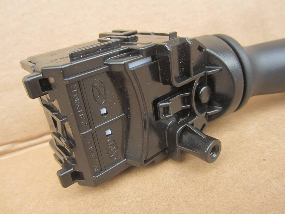 Kia 93420-2V050 Windshield Wiper Switch