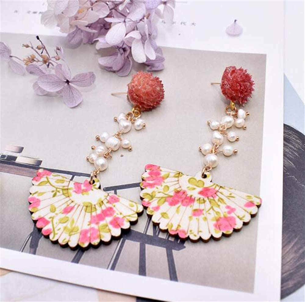Joker Hypoallergenic Earrings Flower Pearl Scalloped Earrings Ms