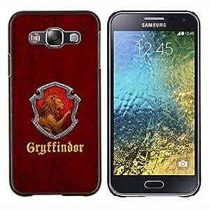 Qstar Arte & diseño plástico duro Fundas Cover Cubre Hard Case Cover para Samsung Galaxy E5 E500 (Gryffindor)