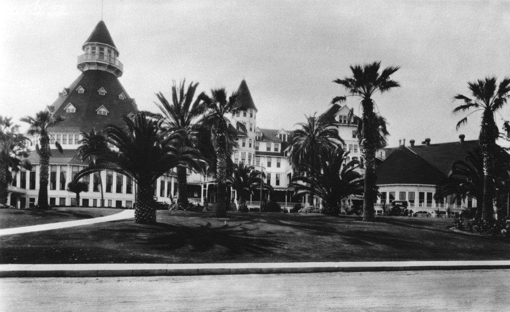 Coronado、カリフォルニアのビューCoronadoホテル写真 12 x 18 Art Print LANT-3364-12x18 B00QPYG03Q  12 x 18 Art Print