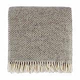URBANARA Gotland Blanket/Throw - 100% Scandinavian Wool, herringbone design (140x220 cm, Grey/Cream)