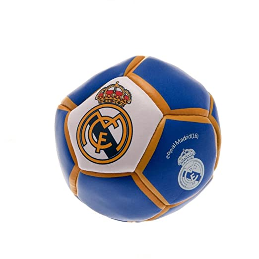 d50ce21ec01 Amazon.com  Real Madrid F.C. Men s Kick N Trick Official Merchandise ...