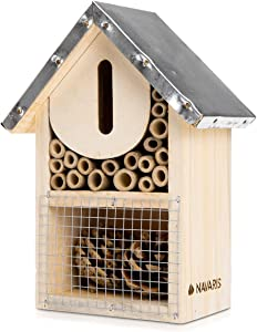 Navaris S Wooden Insect Hotel - 5.9 x 7.7 x 3.1 Inches - Natural Wood Bug House Bamboo Nesting Habitat - Garden Shelter for Bees, Butterflies, Bugs