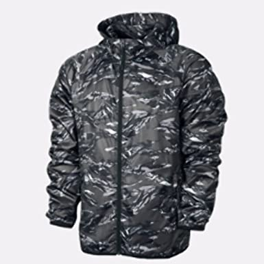 Nike Women s Packable Camo Running Jacket  Amazon.co.uk  Sports   Outdoors 716e0006a