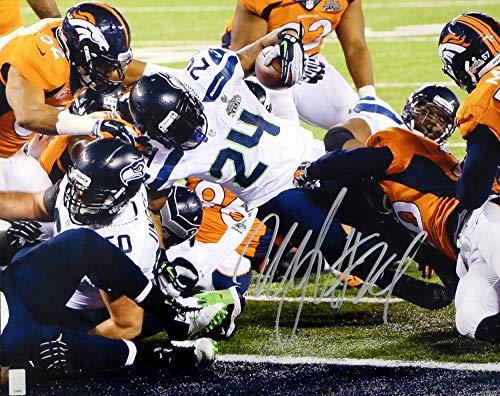 Marshawn Lynch Autographed 16x20 Photo Seattle Seahawks Super Bowl ML Holo #10898