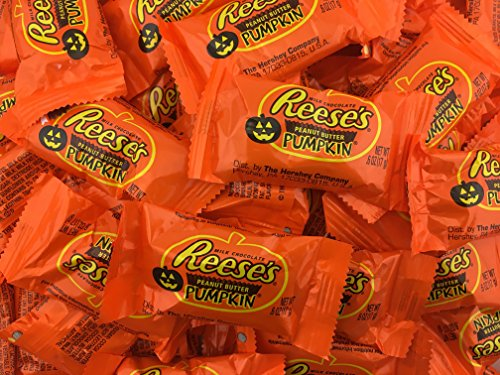 REESES Peanut Butter Pumpkins Chocolate Halloween Candy, 0.6 Ounces Snack Size (Pack of 2 Pounds)