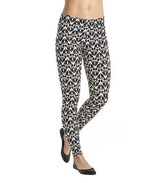 bc9df027a8d2 Hue Womens Cotton Capri Leggings (Ikat Black
