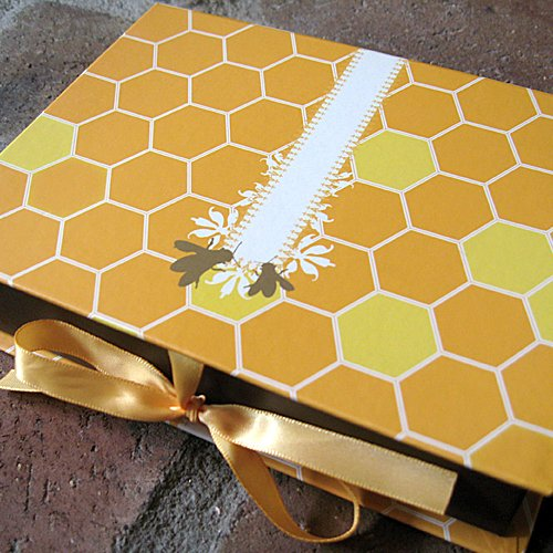 (Signature Line Boxed Honey Bees Notecards in Honey   Rungtong & Co. Stationery Line)