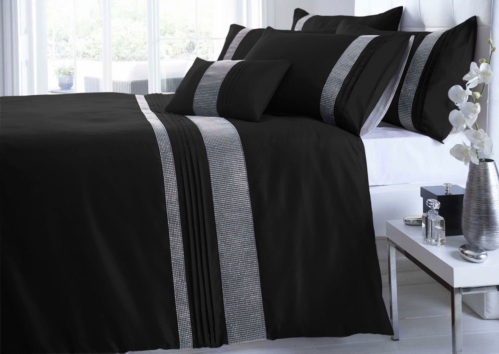 duvet medium bedspreads constrain fit rowan qlt b covers outfitters urban black cover bandhani