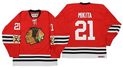 Amazon.com   NHL Mens Chicago Blackhawks Mikita Team Classic Jersey ... 181c2bb0d
