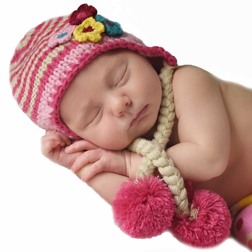 Amazon.com  Huggalugs Baby and Toddler Girls Pink Daisy Chain Beanie Hat   Clothing b7180868d0ff