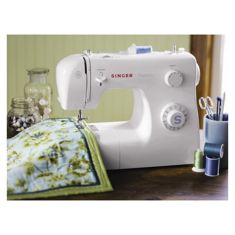 120 V Singer 2259  Tradition M/áquina de coser mec/ánica color blanco 19 puntadas