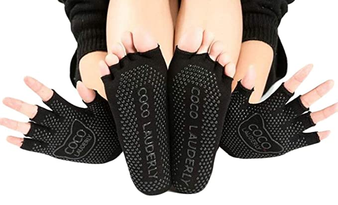 WUZZZZ Yoga Socks and Gloves Set Pilates Barre Ballet Socks Non Slip with Grips for Women and Men (No Toes, One Size)