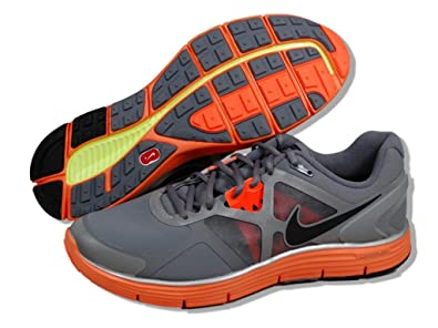3d1a9e2bd9f4f7 NIKE LunarGlide+ 3 Shield Men s Running Shoes