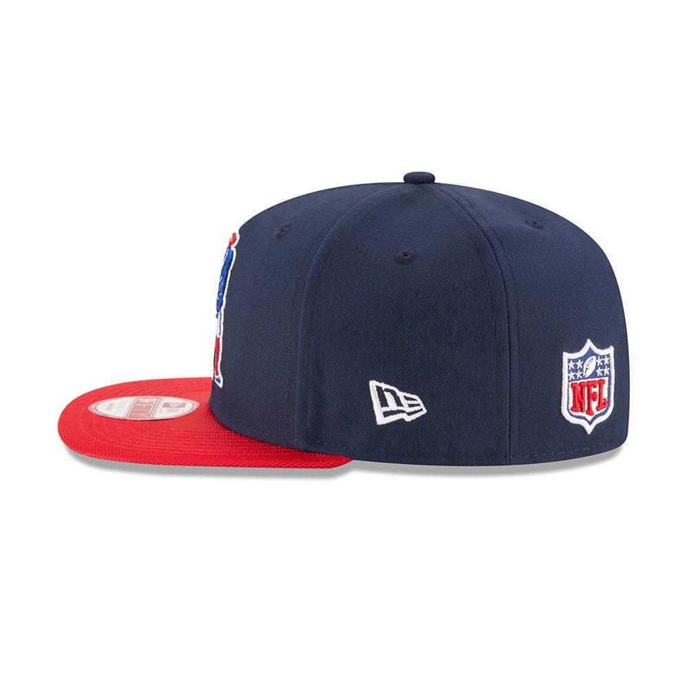 fe72470bcbdcd Amazon.com   New England Patriots New Era Navy On-Field Sideline Classic 9FIFTY  Snapback Adjustable Hat Cap   Sports   Outdoors