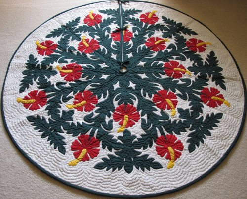 - Hawaiian Quilt 100% Hand Quilted and 100% Hand Appliqued Christmas Tree Skirt 60