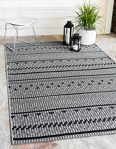 Unique Loom Outdoor Collection Geometric Striped Abstract Indoor and Outdoor Transitional Gray Area Rug (9′ x 12′)