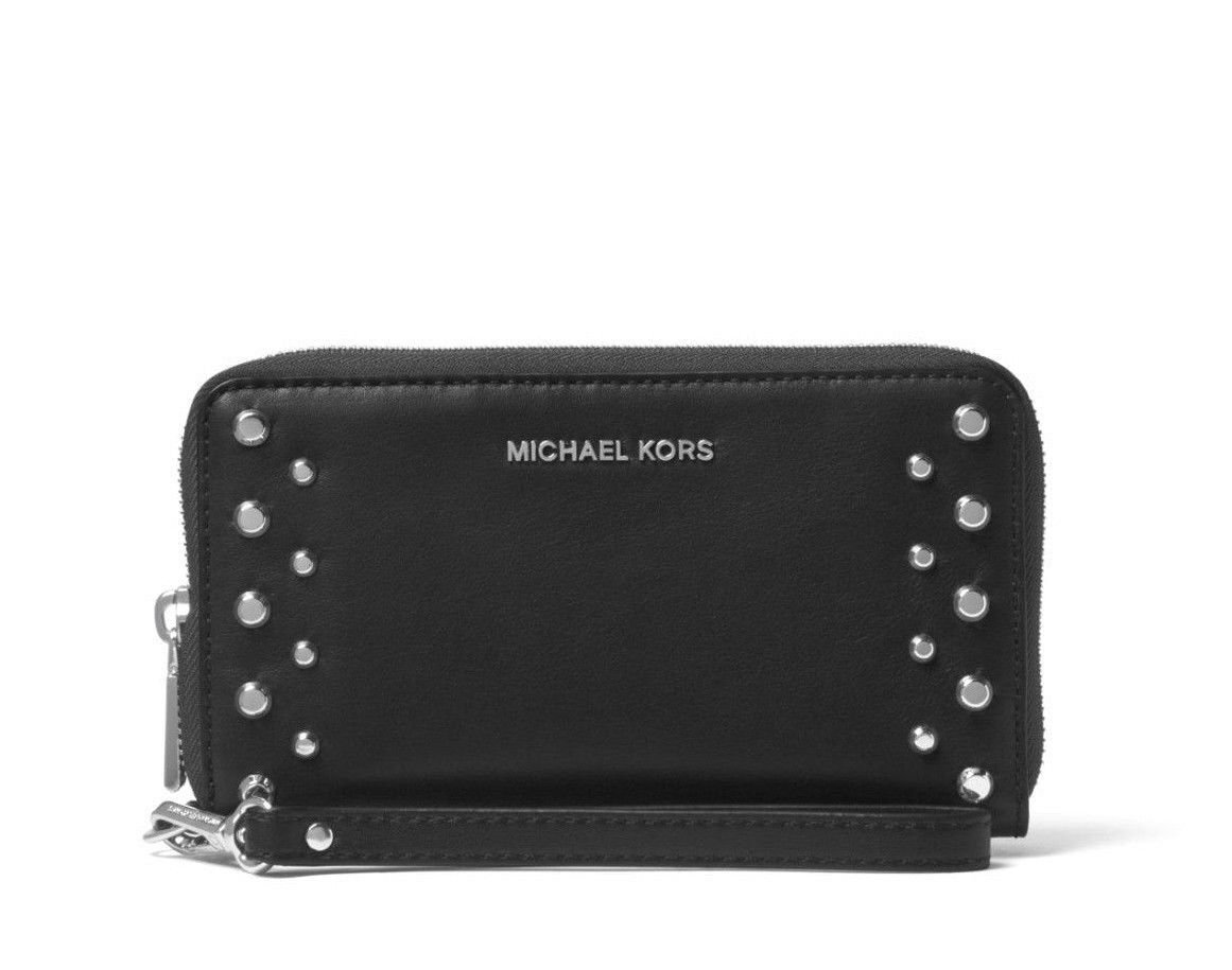 d3e6853943c6d4 MICHAEL Michael Kors Mercer Studded Leather Smartphone Wristlet:  Amazon.co.uk: Luggage