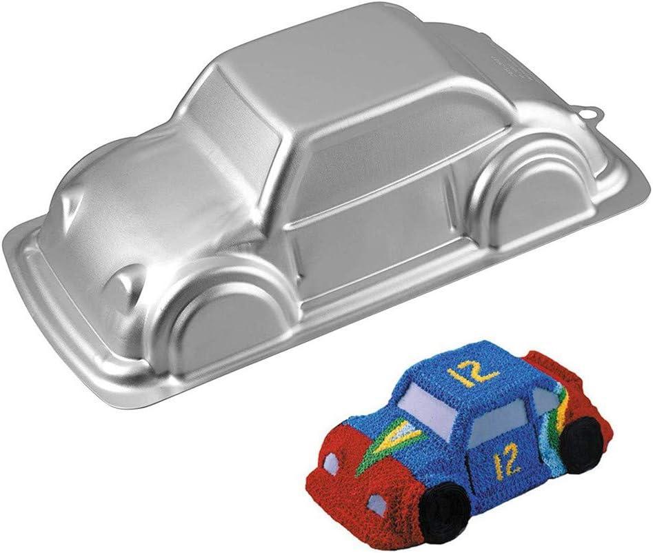 قالب كيك بشكل سيارة من ويلتون بتصميم ثلاثي الأبعاد للأطفال