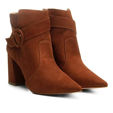 a57956111 Bota Couro Cano Curto Shoestock Fivela Redonda Feminina - Caramelo - 39
