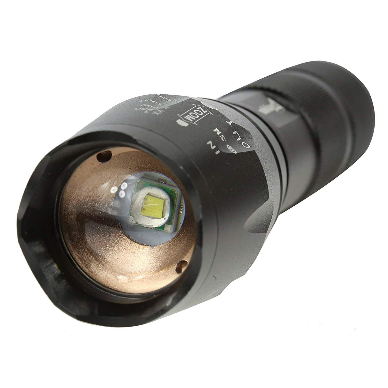 Linterna LED militar de largo alcance