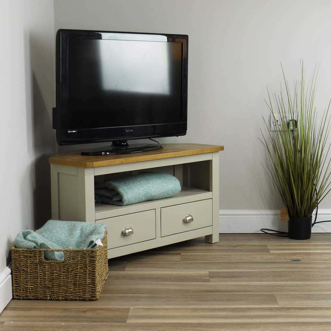 Wellington - Mueble de rincón para la televisión de roble ...