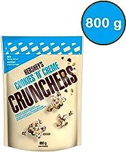 HERSHEY'S CRUNCHERS Chocolate Snack Mix, Cookies n Creme, 800 Gram