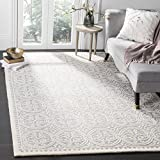 Safavieh Cambridge Collection CAM123D Handcrafted Moroccan Geometric Silver and Ivory Premium Wool Area Rug (8' x 10')