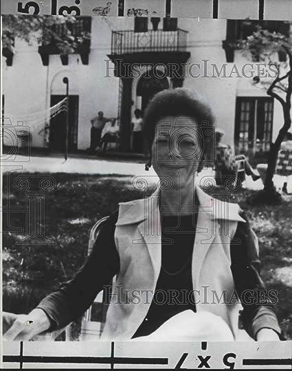 Amazon com: Vintage Photos 1980 Press Photo Mrs  Margaret A