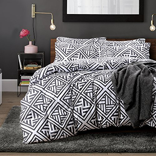 NTBAY 3 Pieces Duvet Cover Set, Brushed Microfiber, Geometric Patterns Printed, Bedding, Black and White, Queen