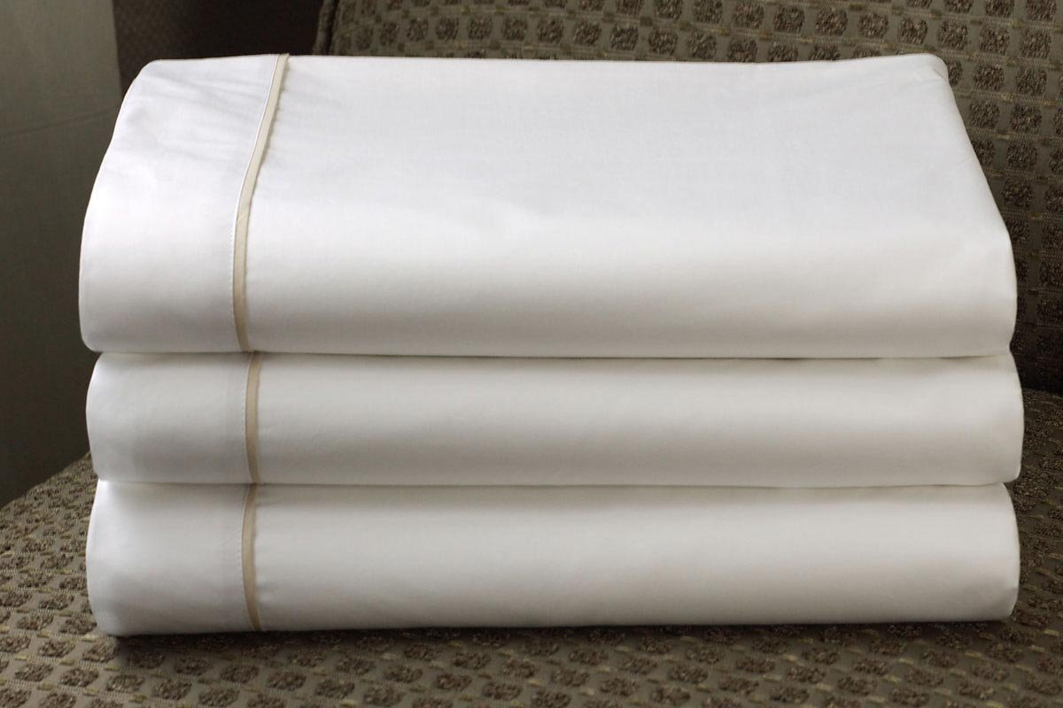 Westin Hotel 200TC Cotton Blend Middle (Flat) Sheet with Piping Trim Detail - King