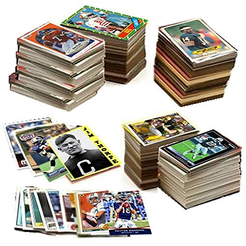 - 600 Football Cards Including Rookies, Many Stars, & Hall-of-famers. Ships in New White Box Perfect for Gift Giving. Includes an Unopened Pack of Vintage Football Cards That Is At Least 25 Years Old!