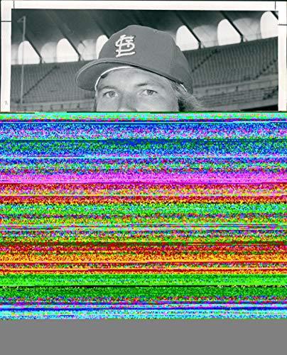Vintage Photos 1974 Press Photo Sports Bob Forsch Pitcher Baseball St Louis Cardinals 8x10 ()
