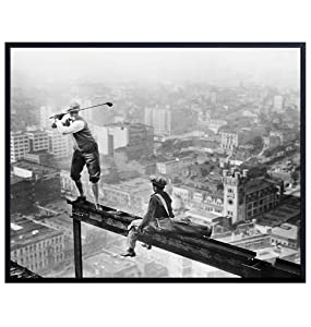 New York Skyscraper Golf Photo - Cool Retro Gift for NYC Fan, Golfer - Vintage Golfing Picture - Funny Wall Art Decoration Poster for Home Apartment Decor for Office, Living Room, Bedroom