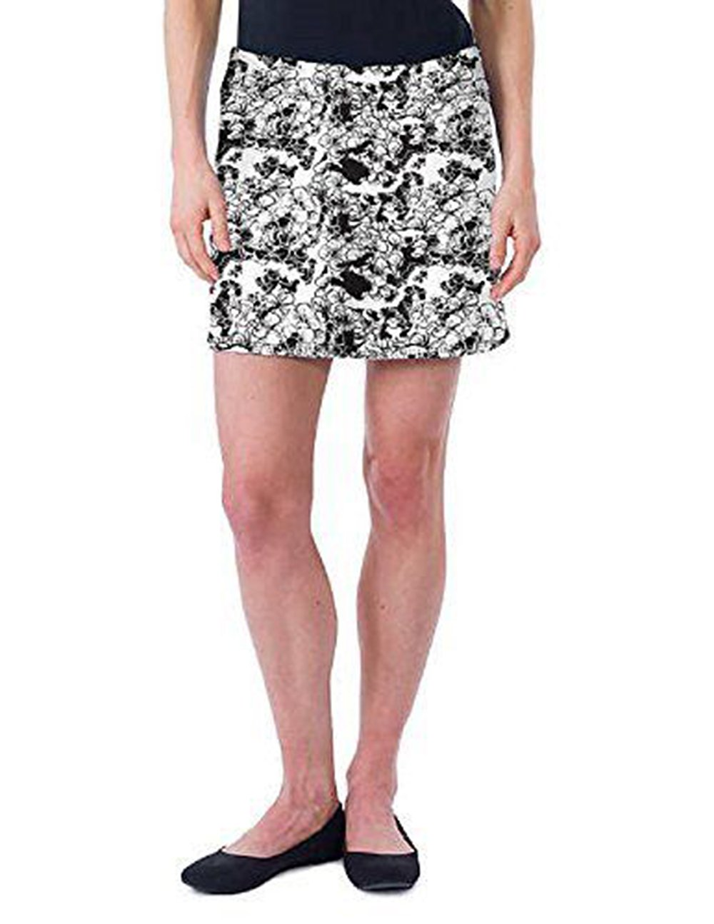 Tranquility Hydrangea Travel Casual Athletic Skirt. Large. Black/White
