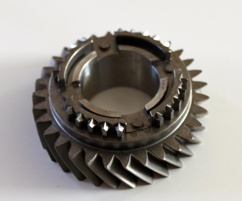 AMP 1352080060 T5 World Class 2nd gear 30 tooth