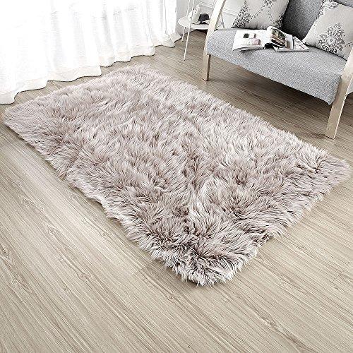 (Ojia Deluxe Soft Modern Faux Sheepskin Shaggy Area Rugs Children Play Carpet for Living & Bedroom Sofa (4ft x 6ft, Light)