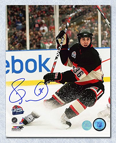 Dave Bolland Chicago Blackhawks Autographed 2009 Winter Classic 8x10 Photo bf186b799