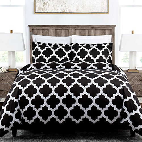 Italian Luxury Quatrefoil Duvet Cover Set - 3-Piece Ultra Soft Double Brushed Microfiber Printed Cover with Shams - Full/Queen - Black/White