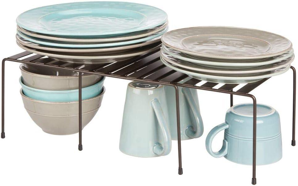 mDesign Juego de 2 repisas ajustables para armarios de cocina Estante para platos antideslizante Pr/áctica balda extensible de metal para ampliar el espacio de guardado color bronce